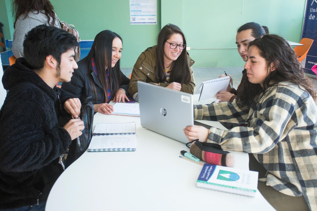 UAysén imparte preuniversitario gratuito a 310 jóvenes de 28 establecimientos de la región